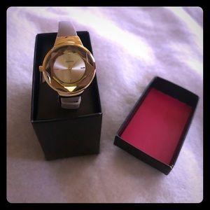 Jewelry - Quartz watch